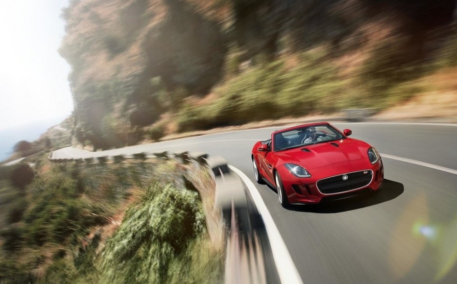 2014-Jaguar-F-Type-V8-S-Red-High-Profile-View-1024x636