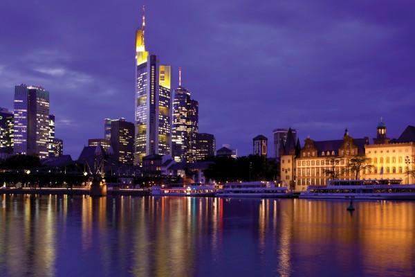 Villa-Kennedy-Frankfurt-Am-Main-Skyline-2582
