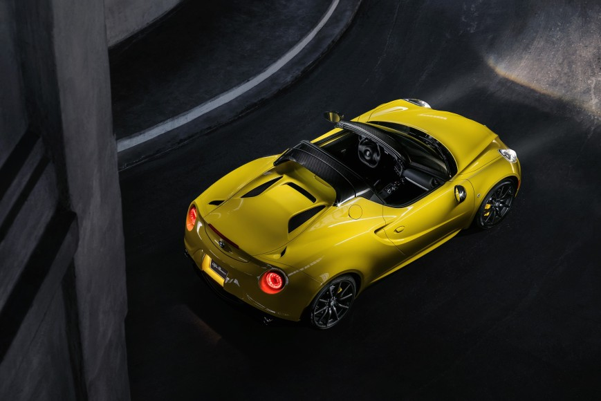 alfa-romeo-4c-enters-europcar-selection-fleet-it-s-ready-to-deliver-excitement_5