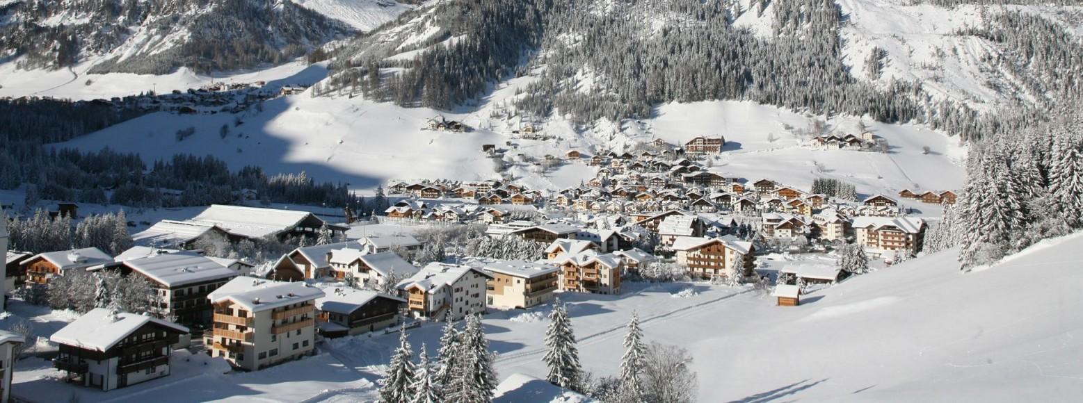 corvara-verschneit-im-winter-alta-badia