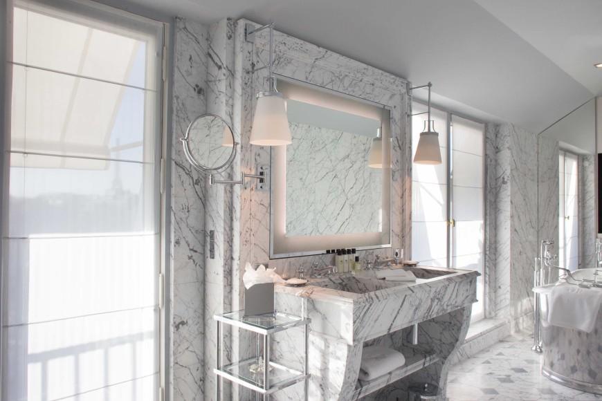 La-Reserve-Paris-Hotel-bathroom