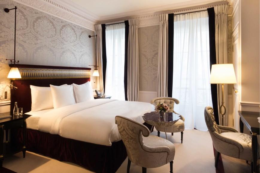 La-Reserve-Paris-Hotel-chambre-Deluxe