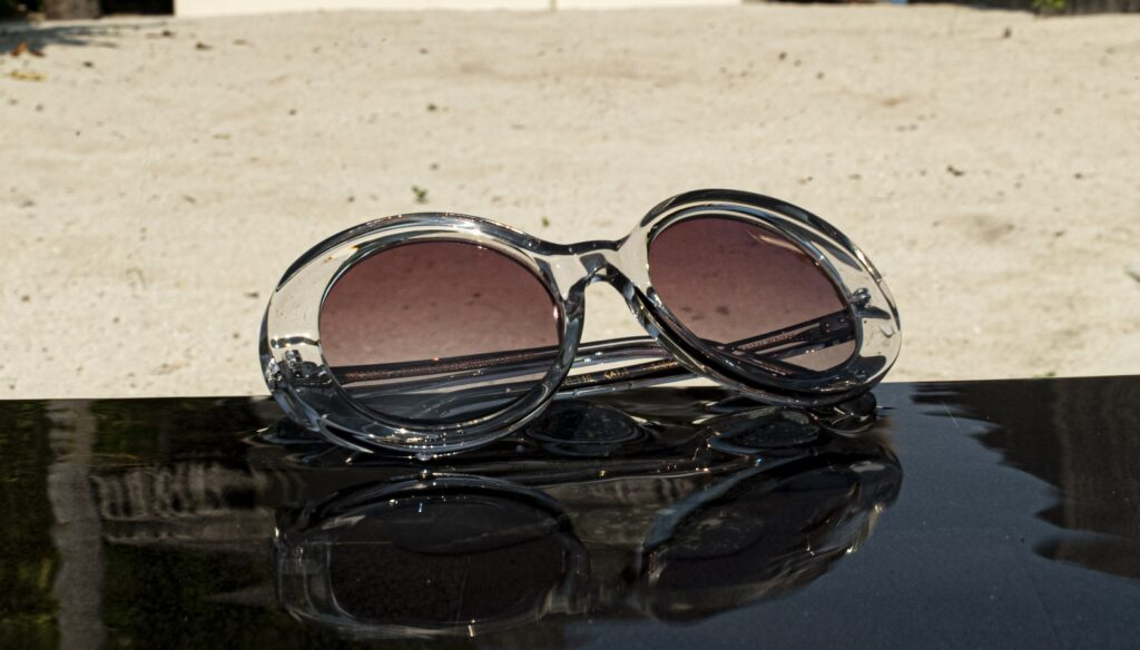 The 1960'S-001 BY OLIVER GOLDSMITH